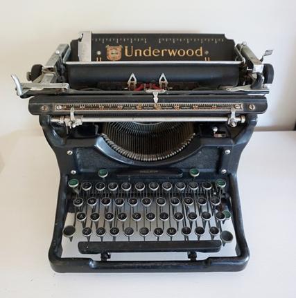 1934 UNDERWOOD TYPEWRITER